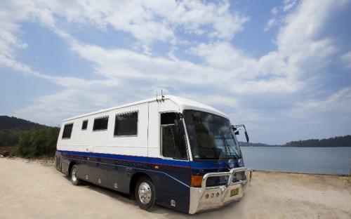 LUXURY 5 STAR MITSIBISHI MOTORHOME $315.00 per night